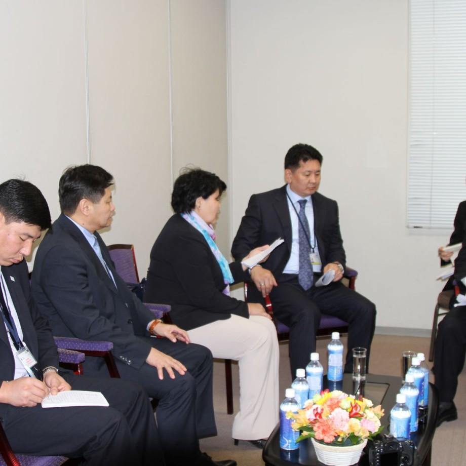 Монгол Улсын Шадар сайд У.Хүрэлсүх БНХАУ-ын Иргэний хэргийн сайдтай уулзлаа