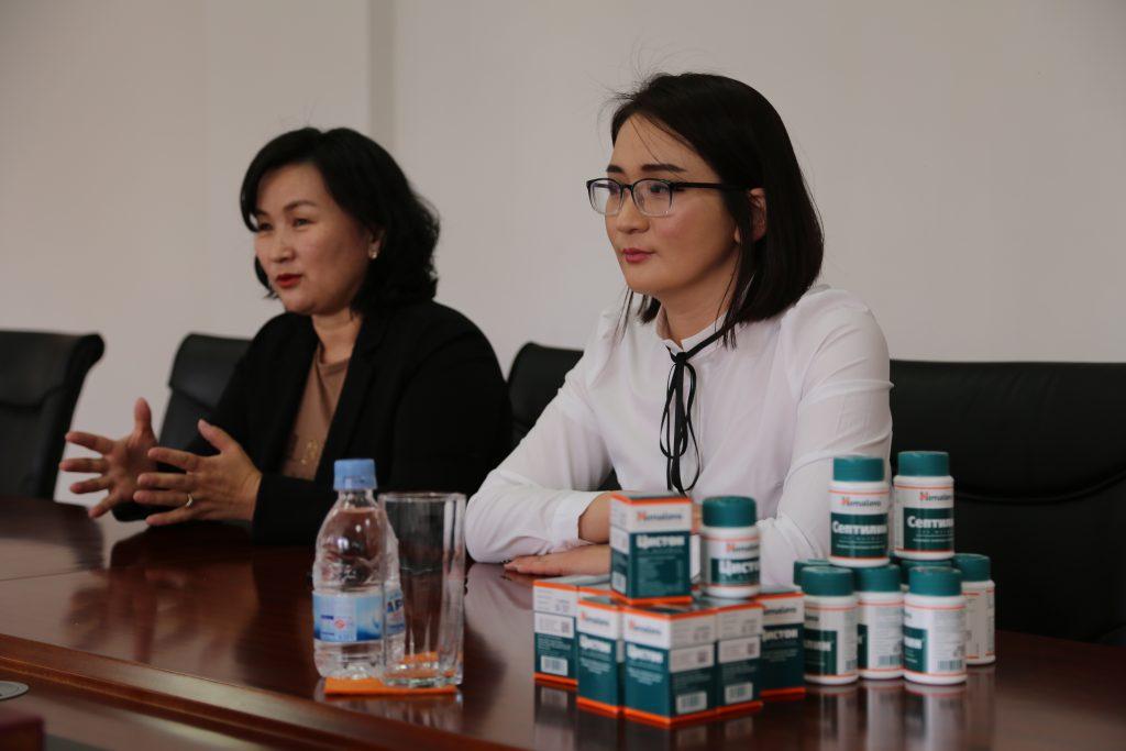9X1A0455-1024x683 Онцгой байдлын аврагчдад дархлаа дэмжих эм хүлээлгэн өгчээ