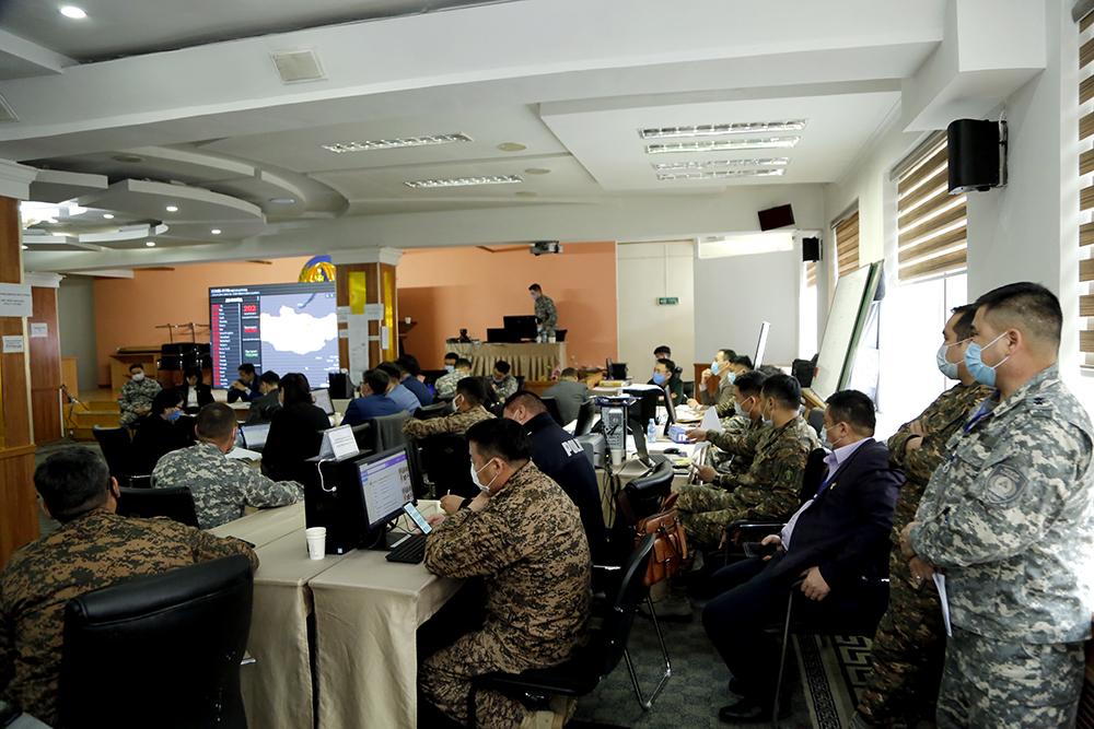J1A0856 Шуурхай штабын үйл ажиллагаатай танилцаж, үүрэг чиглэл өглөө