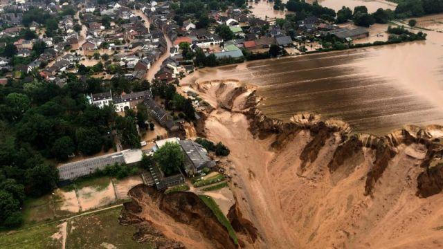 16germany-floods01-videoSixteenByNine3000-810x500-1.jpg
