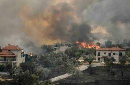 282761-09082021-1628470492-1863088013-mass-evacuations-as-greece-fires-rage-on-1628340863-3146.jpg